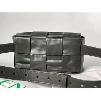Bottega Veneta wax calfskin The Belt Cassette Bag black/green (misu-210226-03)