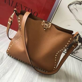 Valentino Small Grainy Calfskin Leather Rockstud Hobo Bag 50031L Brown 2020 (JD-20112755)
